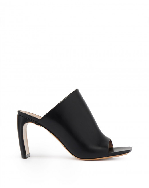 J MULES IN CALFSKIN LEATHER