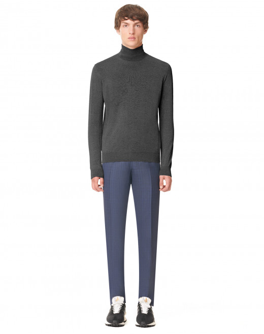 CASHMERE KNITTED TURTLE NECK SWEATER