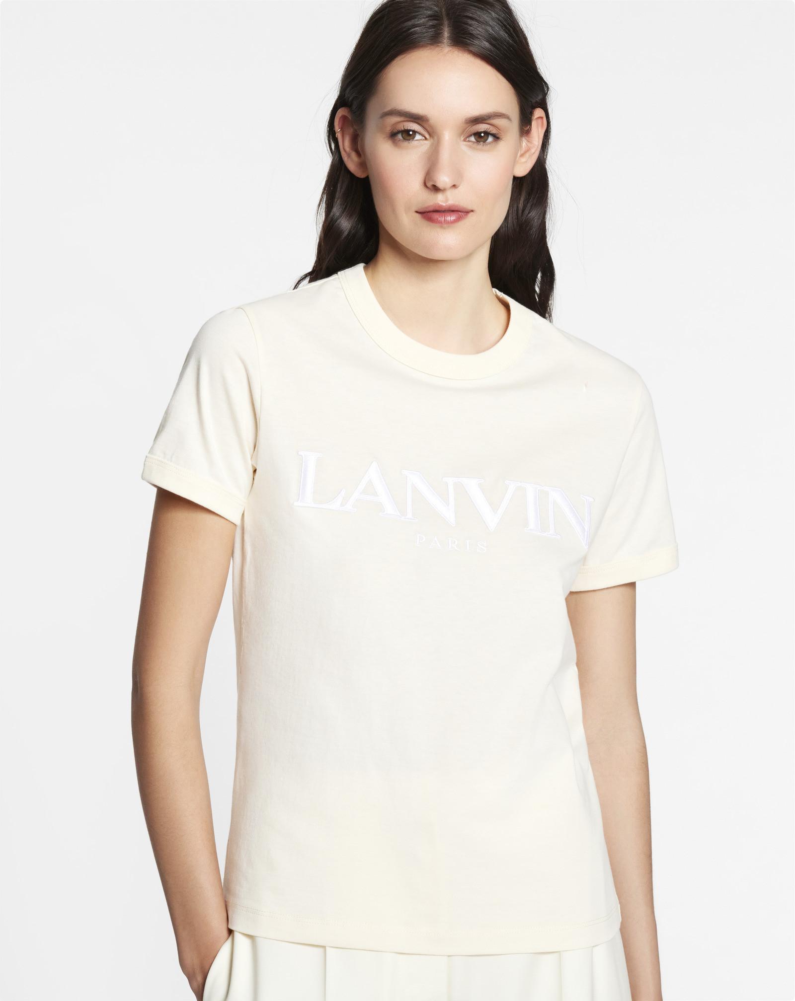 T-shirt ricamata con il logo esclusivo Lanvin Paris, colore crema, scollo rotondo e manica corta, ricamo Lanvin Paris bianco sul davanti