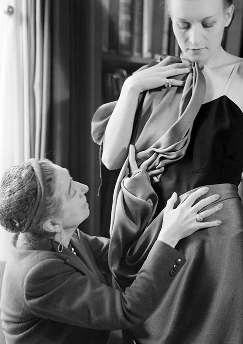 Jeanne Lanvin with a model